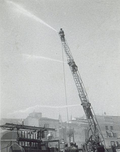 Bombers de Granollers en una exhibició pública el 2/05/1937