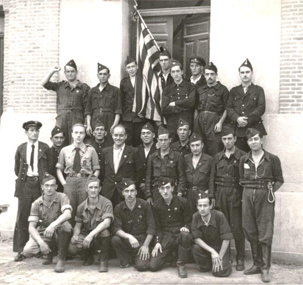 Bombers catalans a Madrid l'agost de 1937, amb el delegat de la Generalitat a Madrid